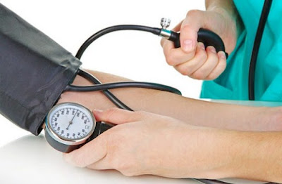 Daun sirsak untuk darah tinggi sangatlah dipercaya alasannya yaitu kandungan daun sirsak Daun Sirsak Untuk Darah Tinggi dan Cara Mengolahnya