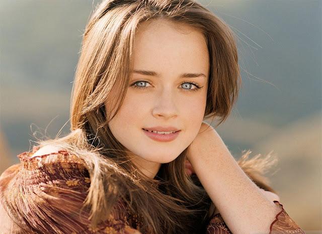 cute American model pic, charming American model pic