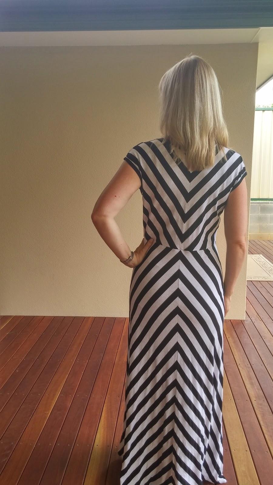 Vogue 1027 quarter circle maxi skirt back view showing chevrons