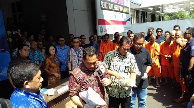 BNN Bongkar Penyelundupan 54,2 Kilo Gram Sabu dan 40 Ribu Butir Ekstasi Dalam Ban Serep