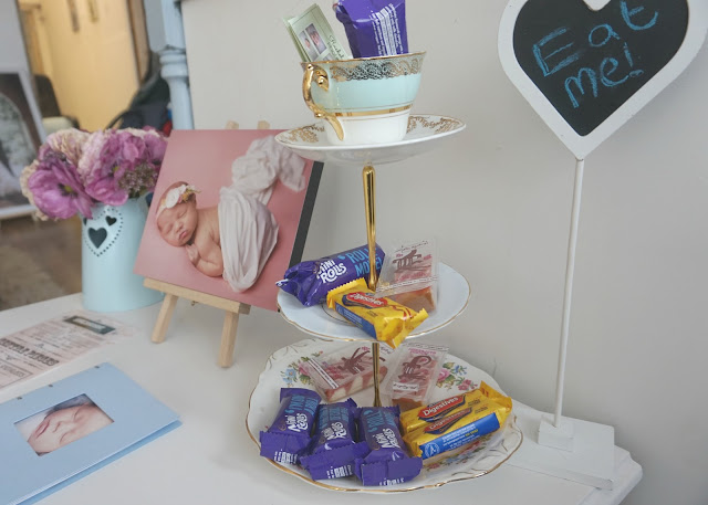 cake stand with cakes
