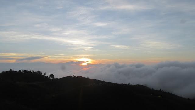 Sunrise di Puncak Prau