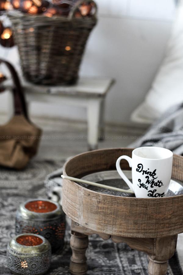DIY pimp your pillow Bohostyle, Dreamcatcher, Wallsticker Boho, So schnell entsteht eine Indoor-Chill-Area, mit dickem Motive mit dickem Baumwollgarn auf Kissen nähen, selbstbemalte Porcellantasse mit Typo