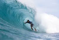 28 Kanoa Igarashi Billabong Pipe Masters foto WSL tony heff