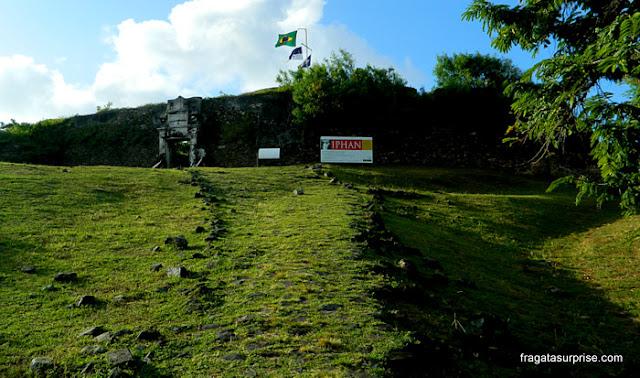 Subida para o Forte dos Remédios, Fernando de Noronha