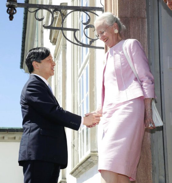 Queen Margrethe, Crown Prince Naruhito, Crown Prince Frederik, Crown Princess Mary wore green floral print silk skirt and top, Gianvito Rossi Pumps