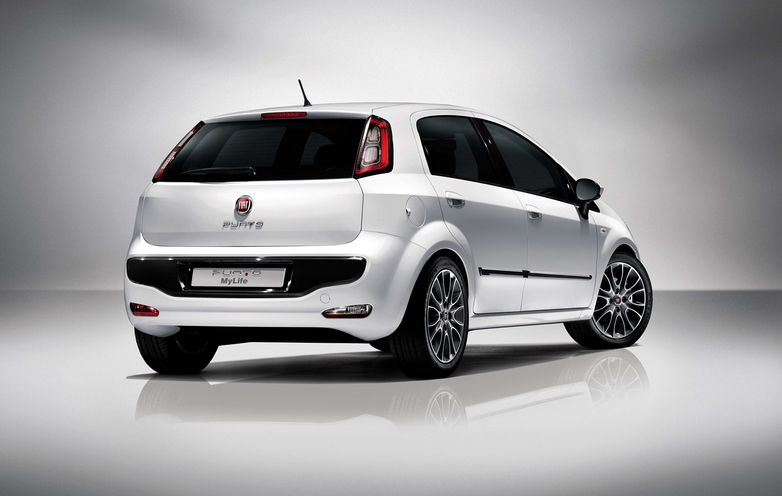new 2012 fiat punto evo my life photos and details car. Black Bedroom Furniture Sets. Home Design Ideas