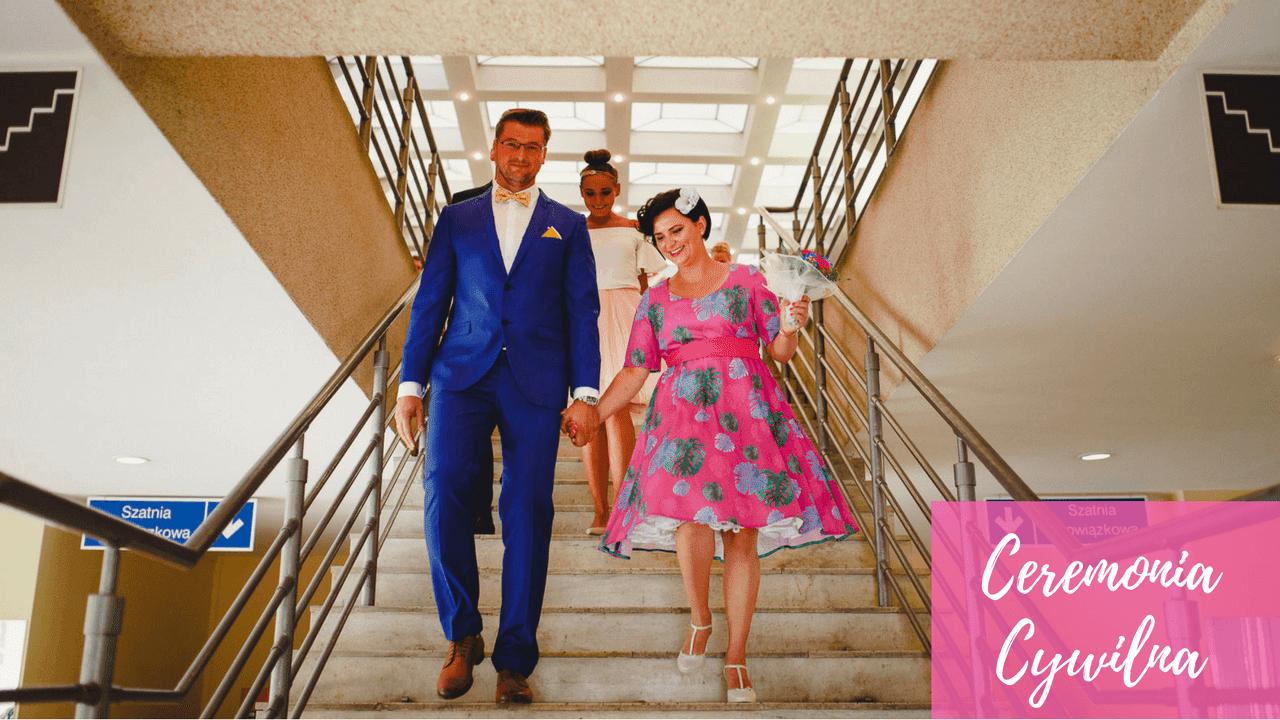 ślub Cywilny I Przyjęcie Weselne Kolorowe Stroje Nowożeńców