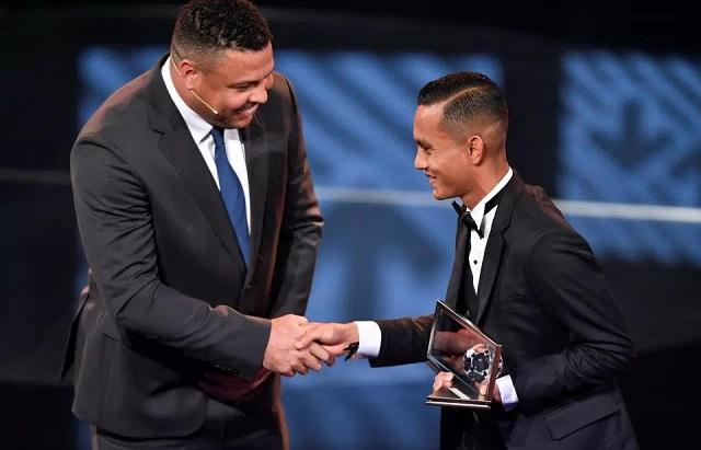 Faiz Subri Rangkul Anugerah FIFA Puskas 2016 Di Zurich (Video)