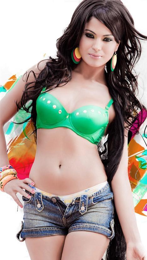 Veena Malik Photo 8