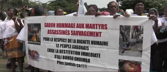 Samedi 23 juillet, à Libreville, une marche pacifique de l'opposition et de la société civile gabonaises a été réprimée par les forces de l'ordre. Cette manifestation protestait contre la candidature de l'actuel chef de l'État, Ali Bongo Ondimba, à l'élection présidentielle du 27 août. Elle a été dispersée violemment malgré la présence de plusieurs leaders de l'opposition dont deux des principaux candidats à la future élection, Casimir Oyé Mba et Guy Nzouba-Ndama, ancien Premier ministre et ancien président de l'Assemblée nationale. Plusieurs journalistes ont été également ciblés et brutalisés, notamment Jean Rovis Dabany, correspondant de l'AFP,  roué de coups par un groupe de policiers avant d'être hospitalisé en urgence.