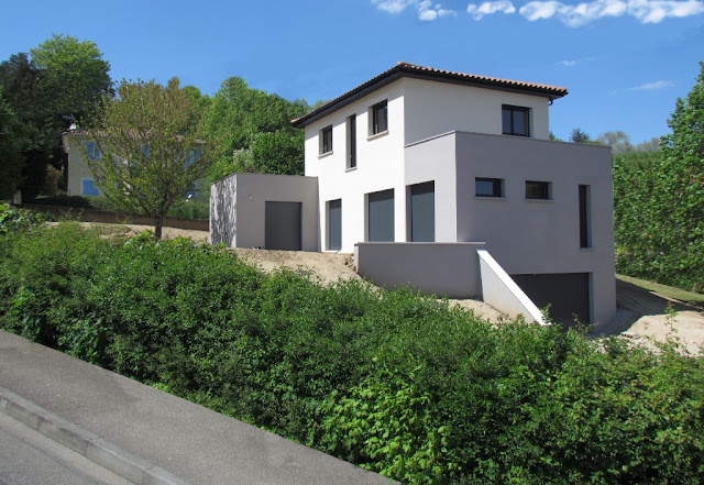 Membangun rumah di atas lahan miring membutuhkan perhatian khusus dibandingkan rumah di la Rancangan Desain Rumah di Lahan Miring