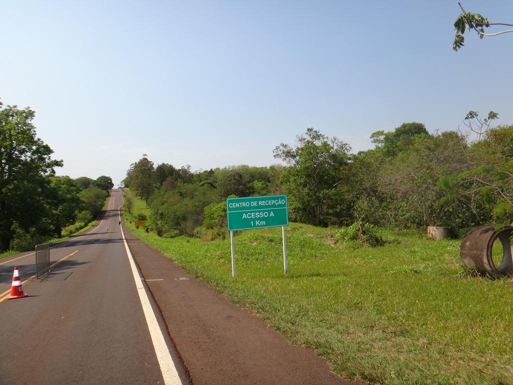 Estrada que leva até o Parque Nacional do Iguaçu