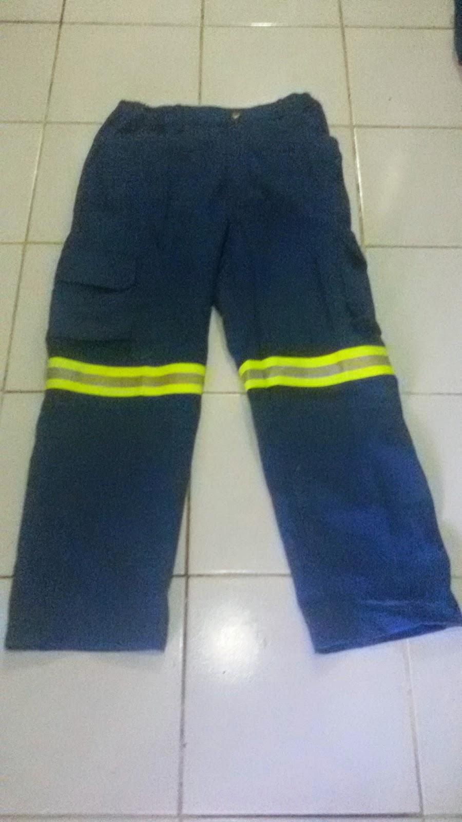 atau sering di sebut juga Wearpak Fire Retardant dimana fungsinya untuk Pekerjaan yang res COVERALL FIRE RETARDANT BAHAN COTTON
