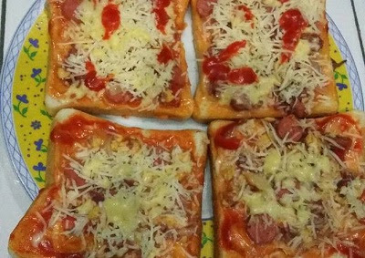 Resep Pizza Mini Dengan Roti Tawar