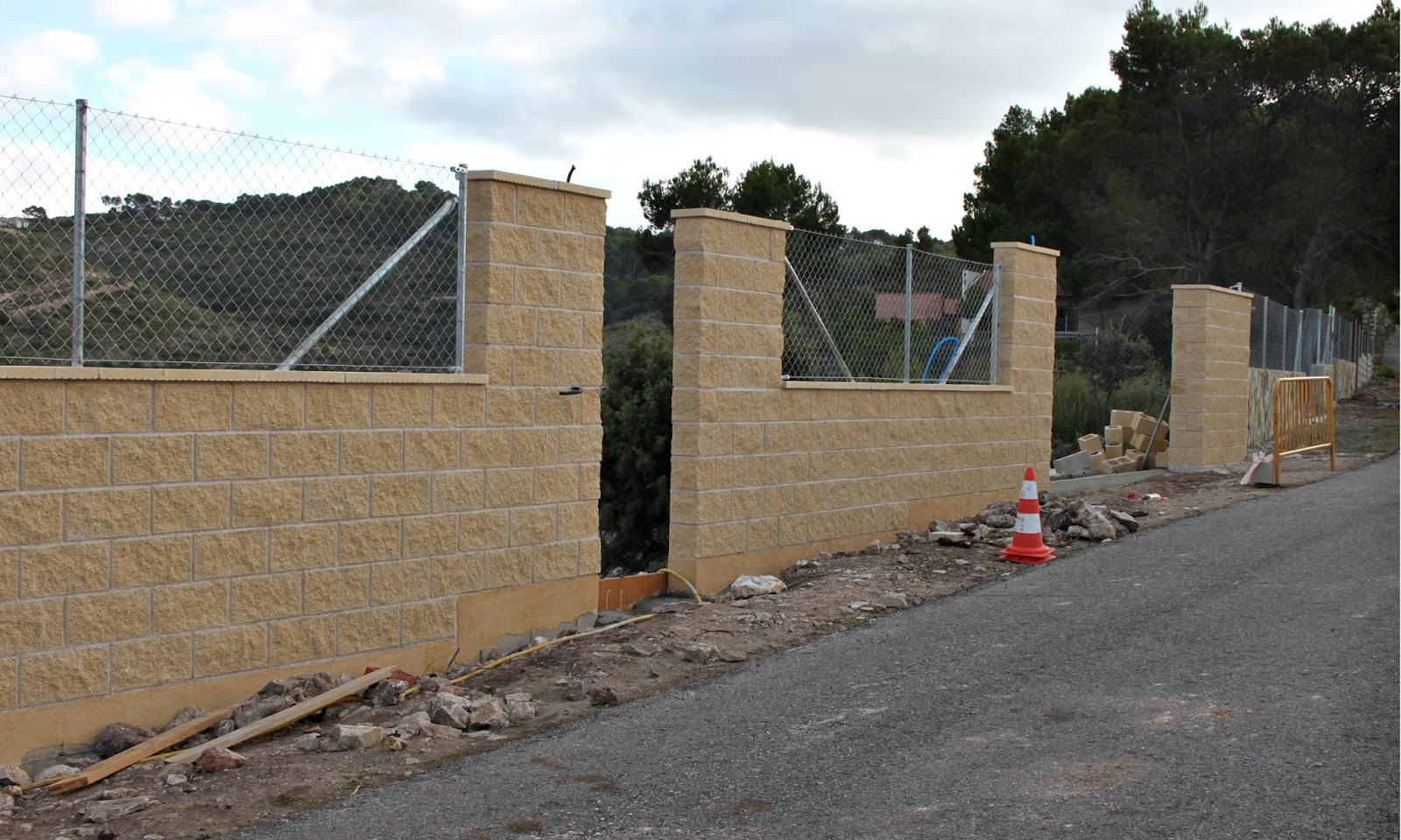 Muro de bloques de hormigon armado stunning muro de - Bloques para muros ...