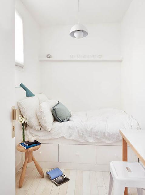 lit avec tiroirs de rangement pour petits espaces et gain de place