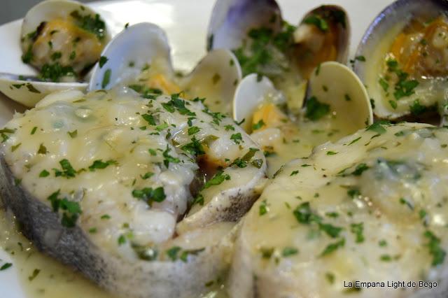 receta-de-merluza-en-salsa-verde-con-almejas