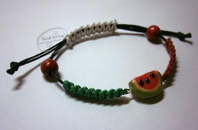 Adzik tworzy - arbuzowa bransoletka makramowa ze sznurków