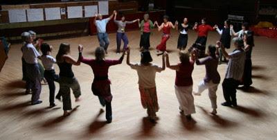 circle dancing