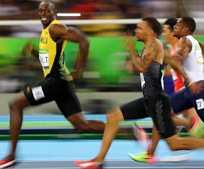 1a4 - VIDEO: Usain Bolt won the gold in 100m Final race as the fastest man at the Rio 2016  Olympics