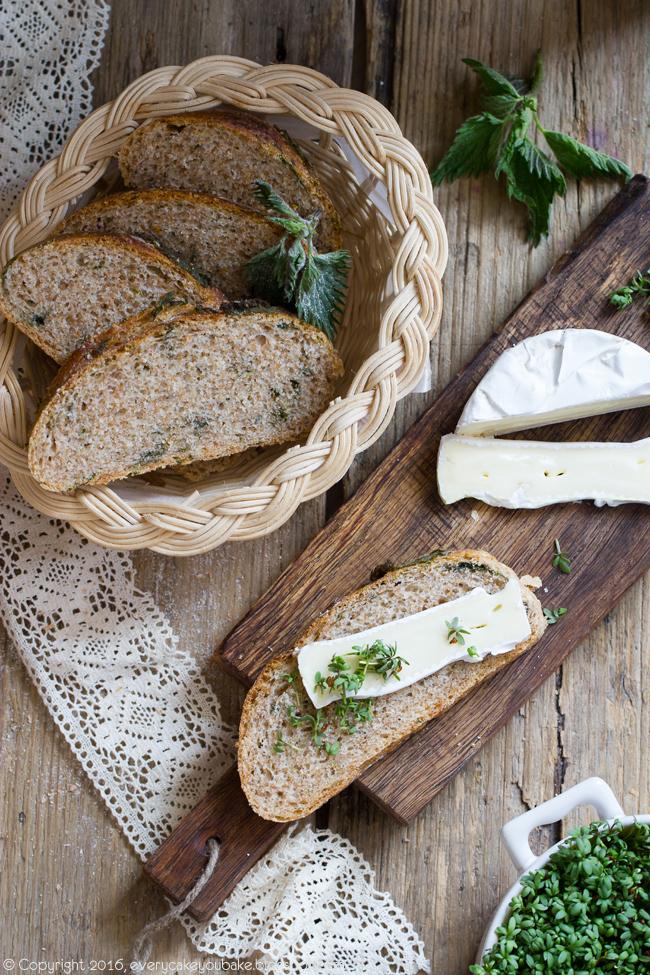 chleb pszenny razowy z pokrzywą