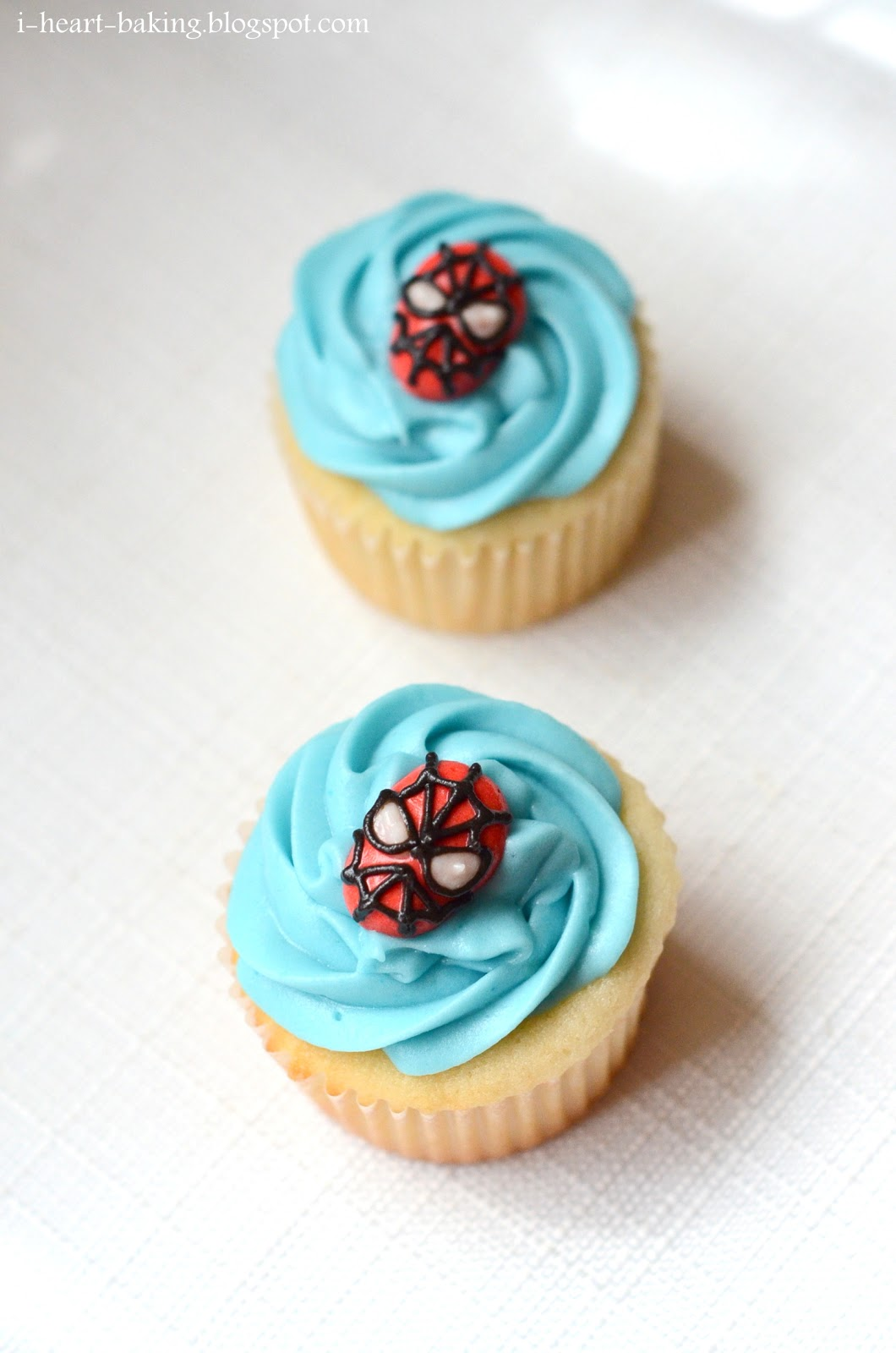 I Heart Baking Spiderman Cupcakes