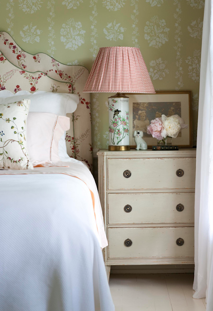 Decor - Traditional and Beautiful Home with Historic Flair {Cool Chic Style Fashion}