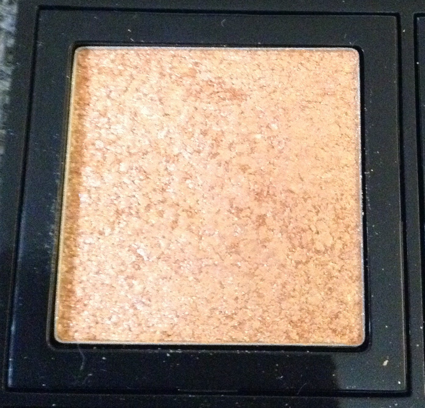 Review Bobbi Brown Sparkle Eye Shadow Baby Peach