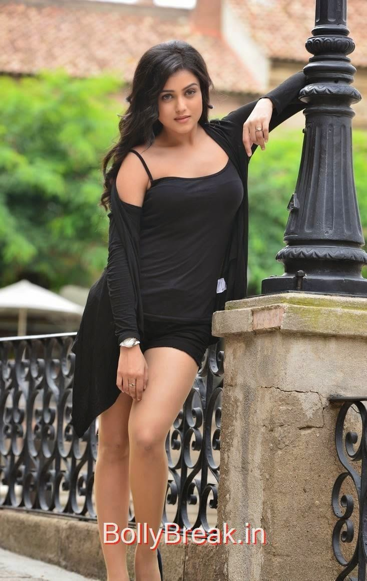Mishti Chakraborty Unseen Stills, Mishti Chakraborty hot pics in Black Dress
