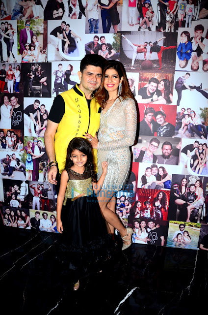 Celebs-grace-launch-of-Dabboo-Ratnani's-Calendar-2018-3