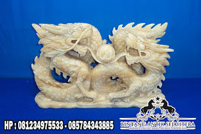 Patung Naga Onyx