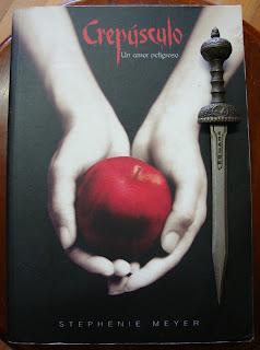 Portada del libro Crepúsculo, de Stephenie Meyer
