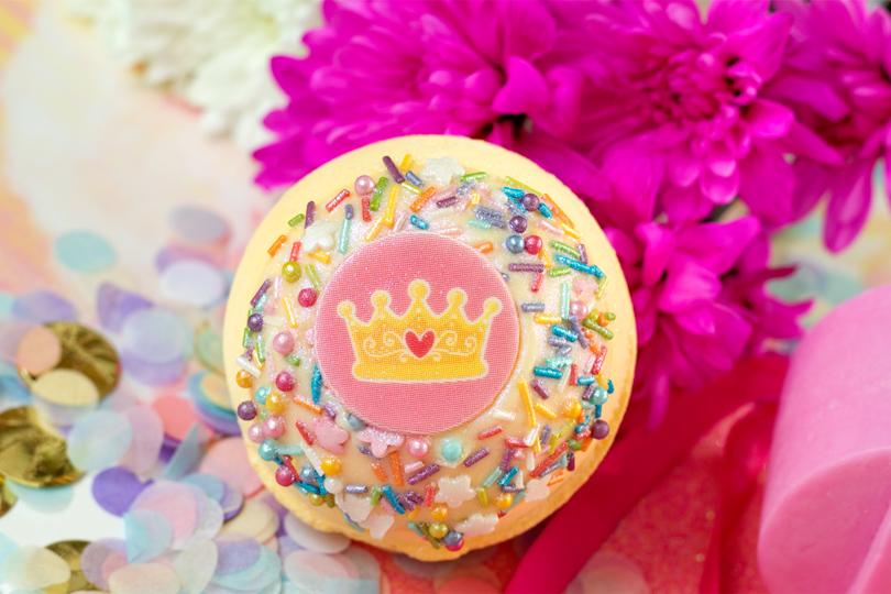 bomb cosmetics crowning glory bath blaster