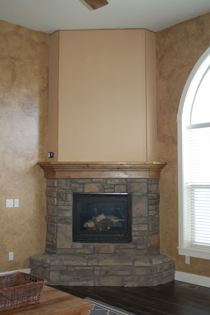 Great Room before photos from www.jengallacher.com. #greatroom #familyroom #familyroommakeover