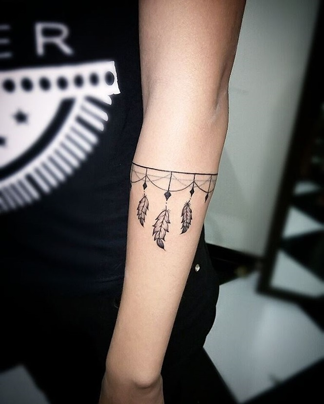 19 tatuagens de pulseiras que ficaram incríveis!