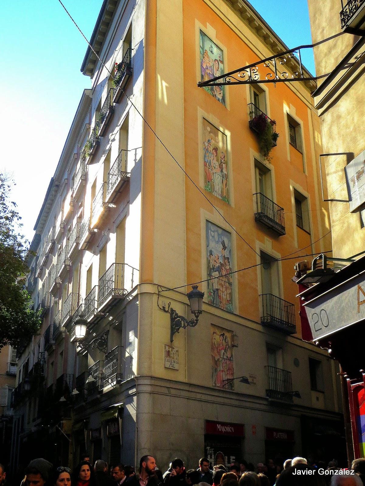 Trampantojos ventanas de Mingote. Calle de la Sal