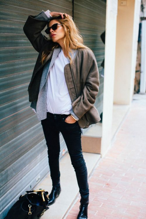 Winter outfit | Bomber jacket over white t-shirt, black ...