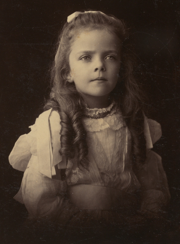 Alice Roosevelt, beautiful portrait of the young girl. 1900s