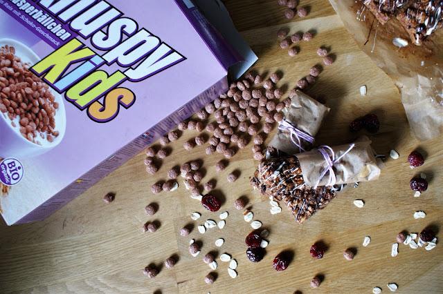 Müslischnitten mit Schokobällchen