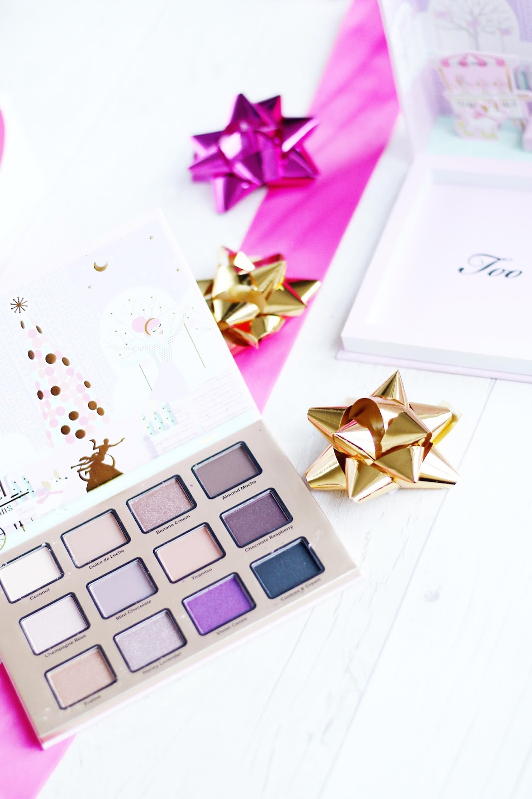Beauty, Blogmas, Christmas, Gift Guide, Christmas gift guide, Shopping, things to buy people, what to buy people for Christmas, beauty presents, Charlotte Tilbury, Too Faced, Luxury Christmas gift Guide, Teen gift guide, what to buy teens for Christmas, presents for your girlfriend, presents for your wife