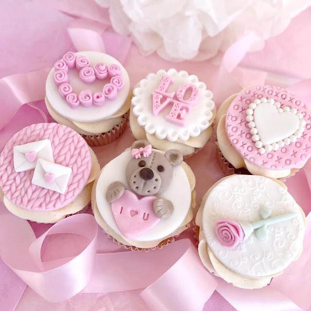 Love, Catherine | Hearts & Teddybears Valentine's Cupcakes