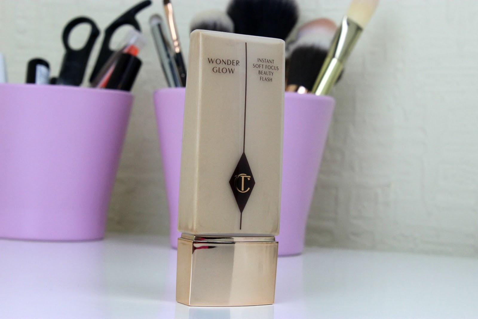 Charlotte Tilbury Wonder Glow - Instant Soft Focus Beauty ...