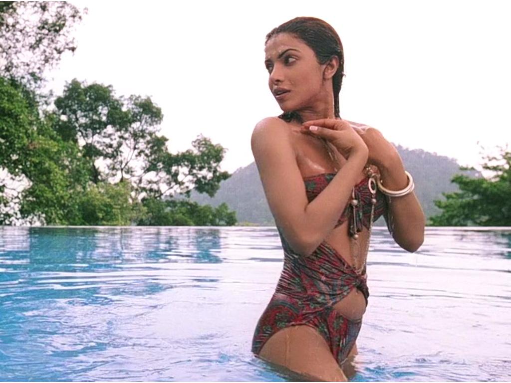Priyanka Chopra Bikini Hot Photos-1824
