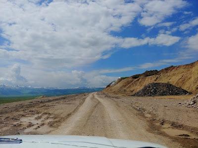 droga do przejścia z Kirgistanem Karkara