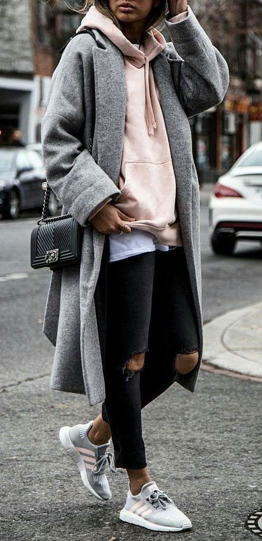 e9192d73cc62a Najmodniejszy dodatek do eleganckich stylizacji ... sportowe buty