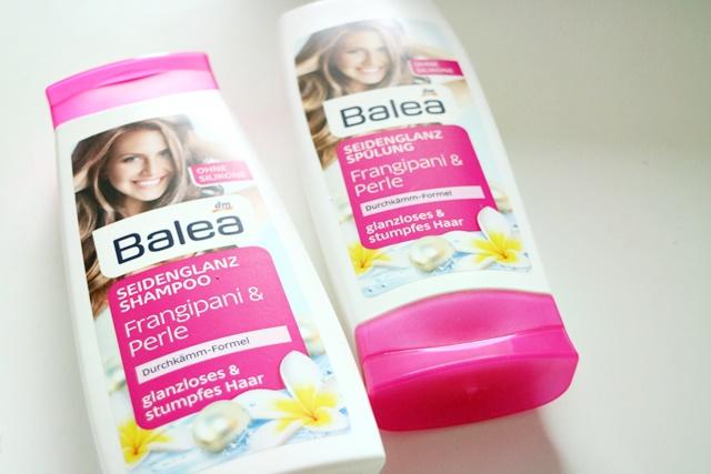 Seidenglanz Shampoo &Seidenglanz Spülung mit Frangipani &Perle von Balea