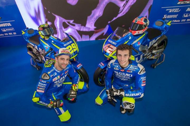 MotoGP 2017 : Resmi diperkenalkan, ini penampakan GSX-RR milik tim Suzuki Ecstar 2017