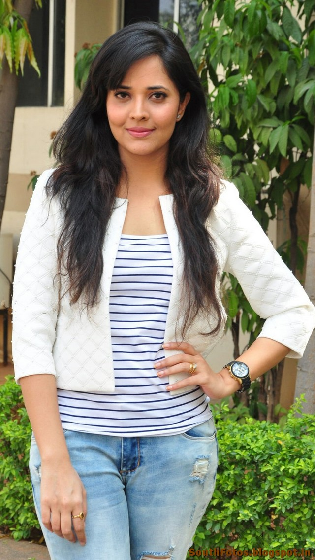 Anasuya Bharadwaj Latest Hot Pics
