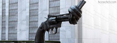 تمثال البندقية المعقودة في خليج السلاحف، نيويورك، الولايات المتحدة الأمريكية